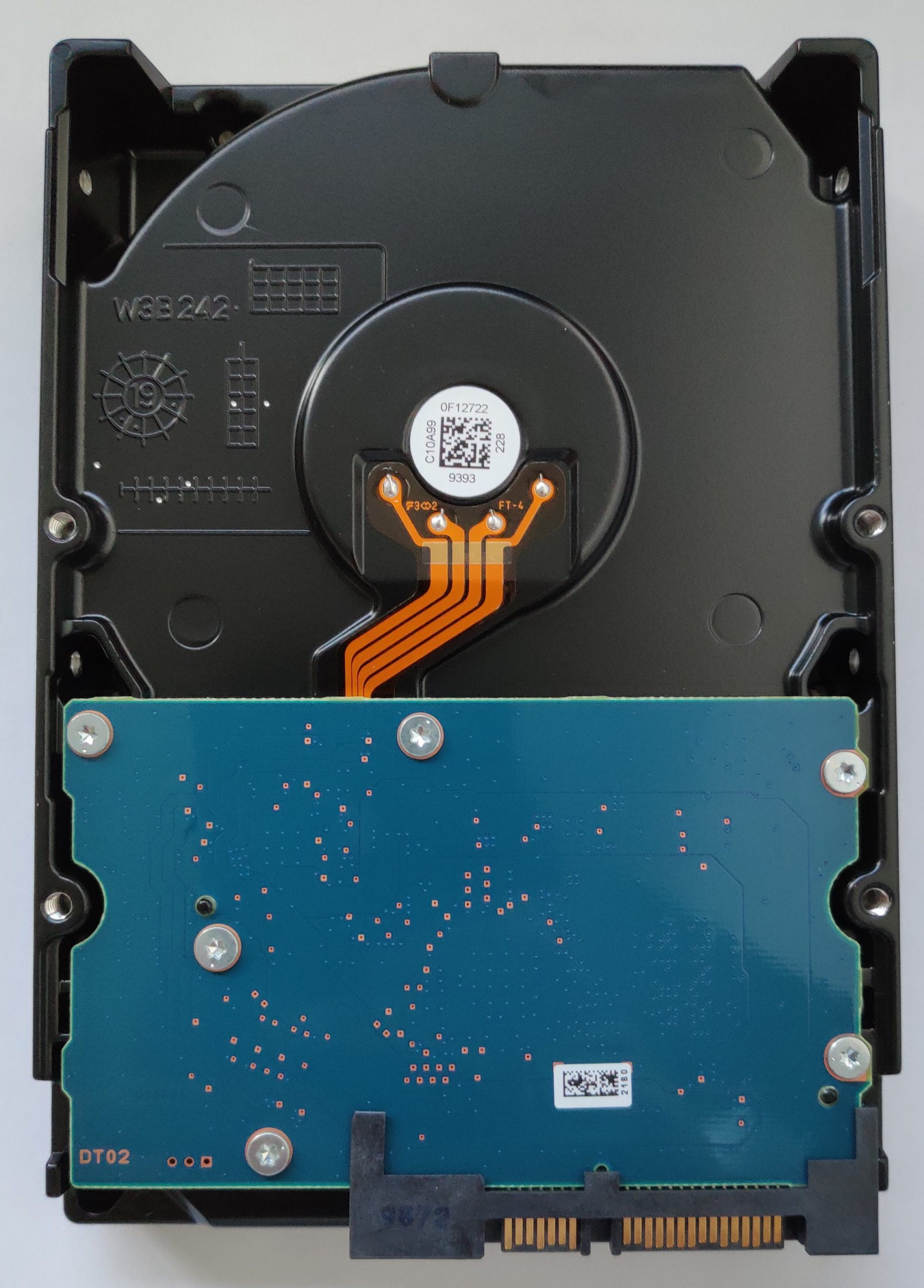 hdd p300 4to vue dessous